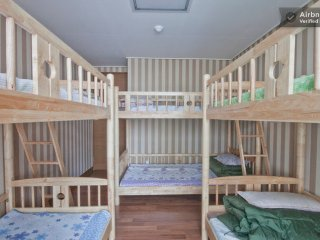 * 3 bunk beds dormitory rooms (6 People), Incheon