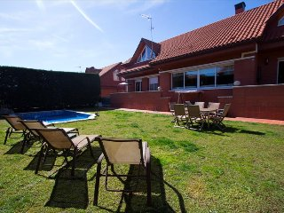 Remarkable villa in Sant Cugat del Vallès for 9 people, only 20km from
