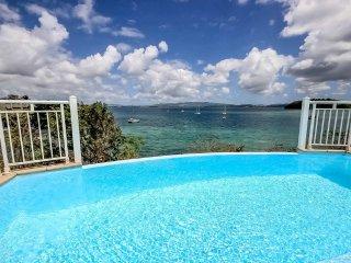 Villa Grand large, piscine, ponton, plage à pied aux Trois Ilets