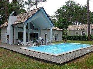 Maison avec piscine sur le gol, Gastes