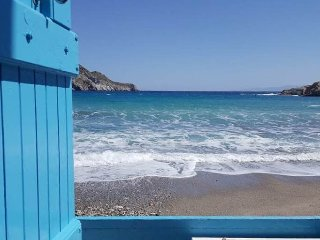 "Amazing ""Paradeiso"" Beach Bungalow studio, Milos!"