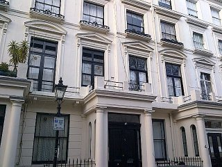 HOLIDAY ONE BEDROOM FLAT IN PADDINGTON/PATIO IN W2
