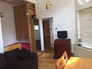 Large studio on Finchley NW3