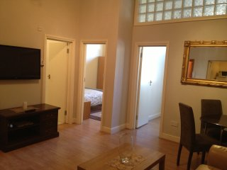LARGE TWO  BEDROOMS FLAT FOR SHORT LET IN NW3, Londres
