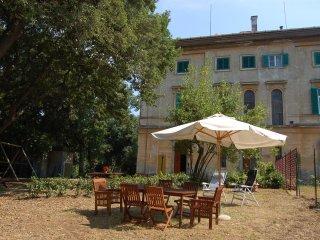 In einer alten Villa vom 1800 in Ruhe leben