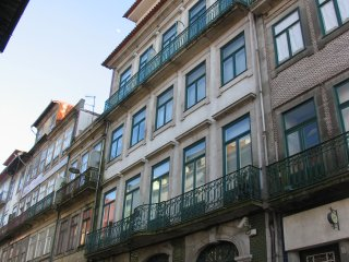 HISTORIC CENTER, with private parking, Porto
