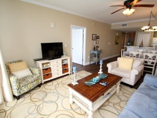 Majestic Beach Resort 1803 West - Luxurious 3 bedroom with a View!, Panama City Beach