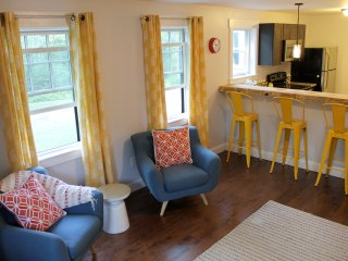Bright, Spacious, quiet and close to beach, Kennebunkport