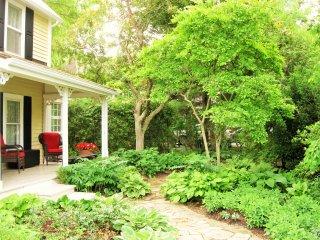 Front porch garden