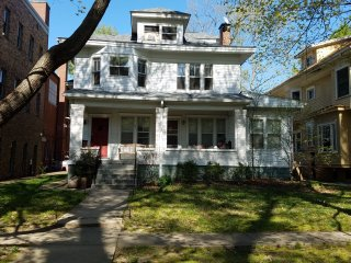 Quiet & safe 2 bed 1 bath in Crescent Hill