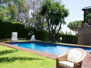 Luxury villa in Hacienda Las Chapas, Marbella