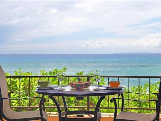 Maui Kai #107, Beautiful 1st floor Oceanfront Junior Suite