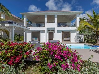 Beautiful 3 bedroom villa on the hillside of St Martin
