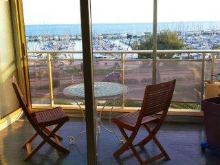Superbe studio avec terrasse en front de mer, St-Laurent du Var