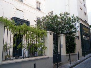 Apartment Paris XVIII, Paris