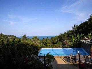 Bungalow with ocean view (free breakfast /shuttle), Ko Phangan