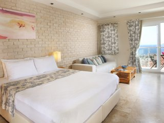 Designer Apart Suites with Boutique Hotel Services, Kas