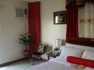 Great Value Cozy Condo Near Airport + Wifi, Paranaque