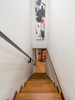 Escalera bajada a 1ª planta