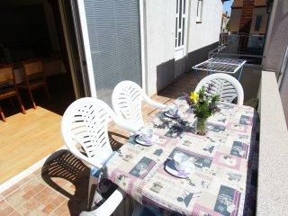 Two Bedroom Apartment Jastip with Balcony Sea View, Sveti Filip i Jakov