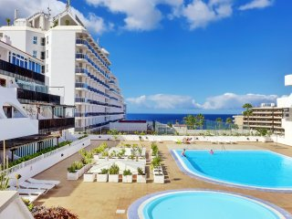 Apartment 2 bdr. near Puerto Colon beach, Playa de Fanabe