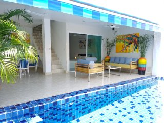 3Bedroom Duplex w/ Private Pool only 70m to Beach!