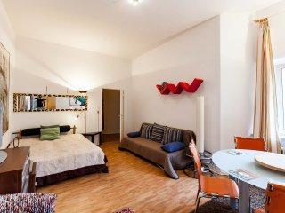 ruhige sonnige 2-Zimmer Wohnung hinterhaus