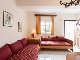 2 bedrooms joined Beach Garden Apartment w garden, Agios Gordios