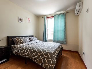 Lovely & Cozy Apartment in Queens!