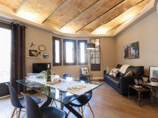 2BR Apartment Plaza España