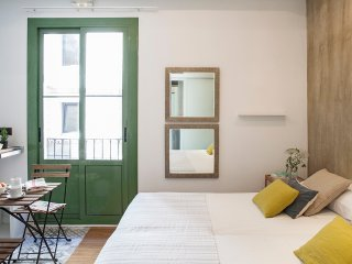 Cosy studio in the heart of Born, steps from beach, Barcelona