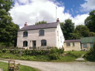 Felindyrch Mill Farmhouse in secluded location