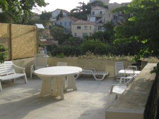 Terrasse de 35 m² T3  climatisé au Roucas Blanc, Marseille