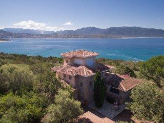 Villa in nature by the sea, Olmeto