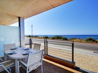 Waterfront Shine apartment with private terrace, Sant Carles de la Ràpita