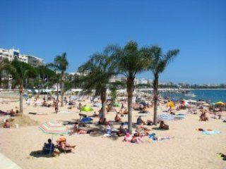 #Cannes Seafront Beach,Swimmingpools, Park, Wi-fi, For 5 people in Resort 3*