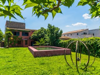 Semidetached house with garden and pool, Girona