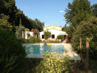 Villa with private pool and 4000 sq m grounds