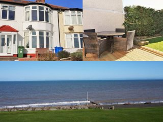 WILD WAVES - HORNSEA SEA FRONT, WIFI, GARDEN BAR