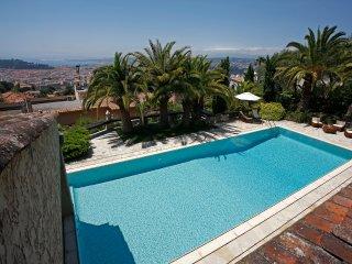 Nice flat 180m2 in nice Villa, pool, park, garden., Niza