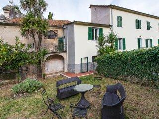 Casa Canonica destra Totale Relax - 6 posti letto, Finale Ligure