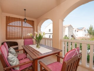 Olivia - Comfort Two Bedroom Apartment Terrace, Supetar