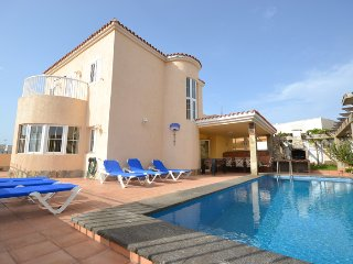 B02GC Great villa for 8, Playa del Inglés