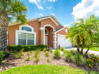 DISNEY! 4Bd/3BA, Pool/Hot Tub,Game Rm! Lake View!, Kissimmee