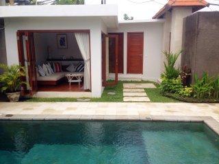 2 Bedroom Villa Walking distance to Seminyak beach