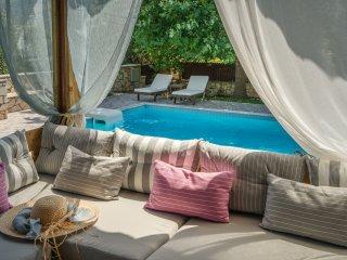Eleonas 4-bedroom villa with Private Pool, Zakynthos Town