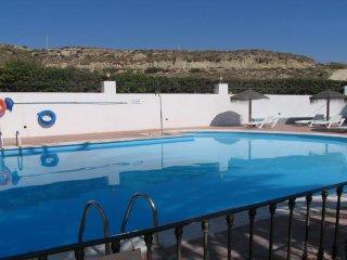 apartamento 1 hab, bajo con terraza y piscina 28B