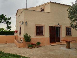 Casa de campo familiar con jardin, Vilafranca de Bonany