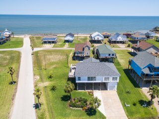Chic 'Captain's Quarters' Beach Home, Wraparound Bay & Gulf Views!