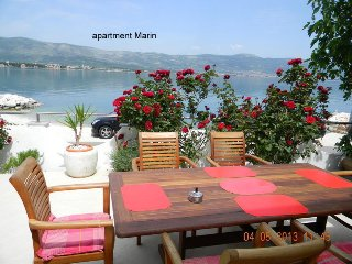 Apartments ,Marin 4+1  persons, Arbanija
